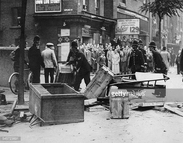 Long Lane barricades against a march of British Fascists 1937, near Kipling Street.jpg
