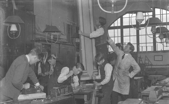 Monnow Road School Bermondsey in 1923.jpg