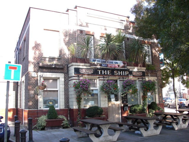 THE SHIP, ST MARY CHURCH STREET, ROTHERHITHE, 2009.jpg
