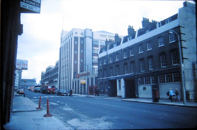 Southwark Bridge Road (1980) Barclay Perkins Brewery. (now Courage's Shad Thames).jpg