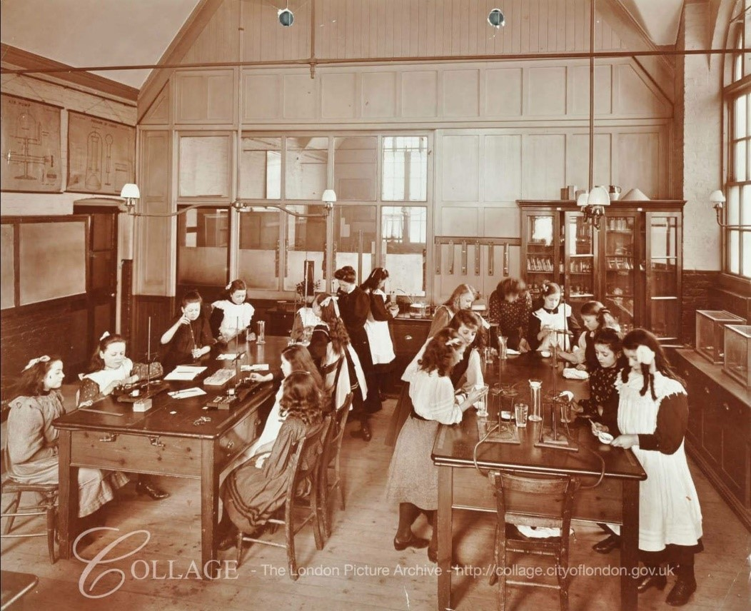 Monnow Road School Bermondsey in 1908..jpg