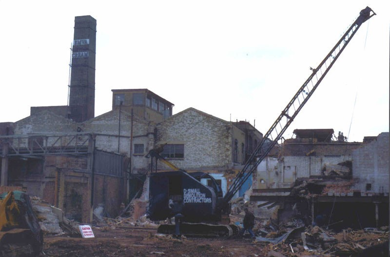 Southwark Bridge Road Jenners Brewery being demolished..jpg
