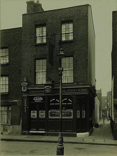 Ship in Distress, 16 Marigold Street, Bermondsey - in 1930.jpg