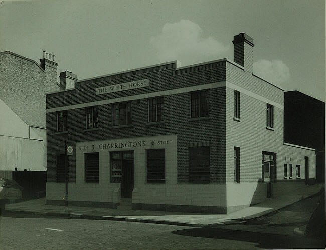 White Horse, 297 Rotherhithe Street, Rotherhithe - rebuilt in 1939  X.jpg