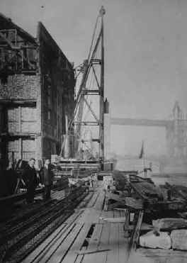 Butler's wharf in the 1940s  X.jpg