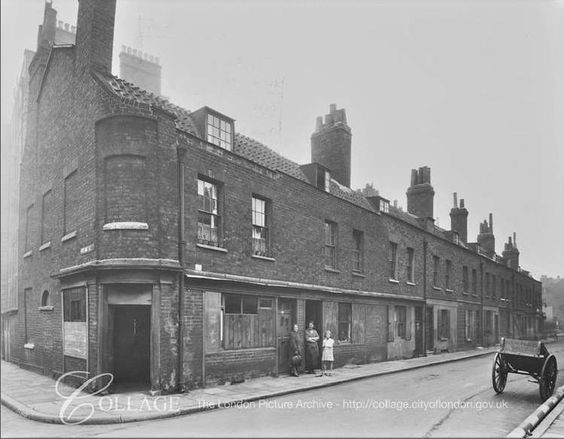 Adam Street, by Oran Place, Rotherhithe, 1904 X.jpg