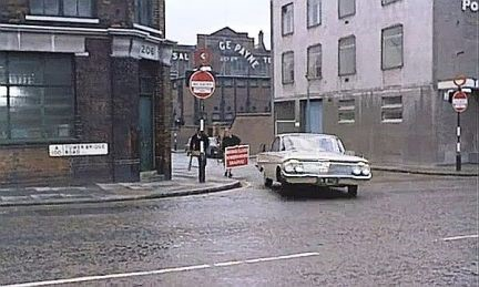 Film Circus of Fear 1966.  The junction of Tower Bridge Road and Queen Elizabeth Street SE1. 1966..jpg