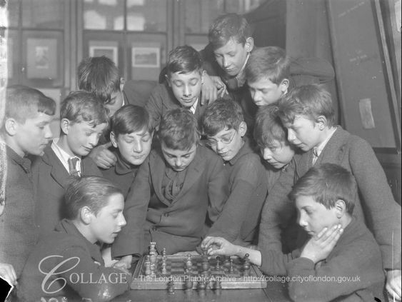 Monnow Road School Bermondsey in 1923, boys playing Chess. X.jpg