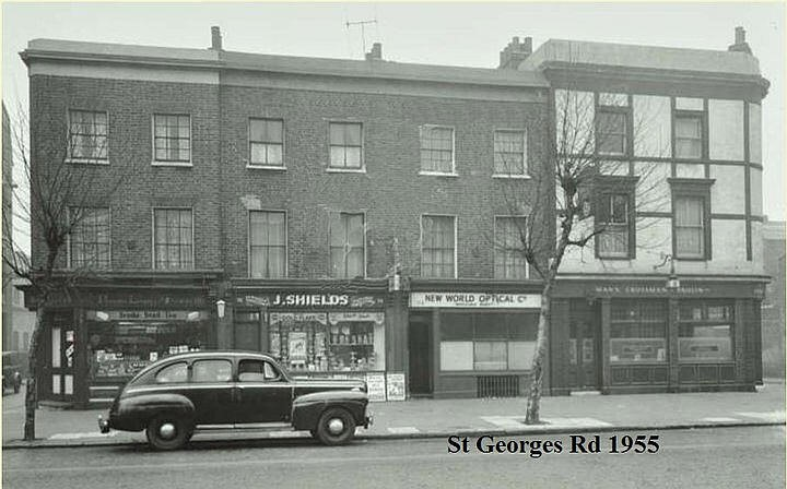St Georges Road,Elephant, Fountain pub, Marshall Street, right, pub closed in 1955, pub and street are no longer there. Would have been in-between Garden Row and Gayward Street.  X.jpg