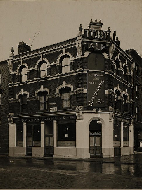 St Georges Road, Pineapple Pub. Pub closed in 1959..jpg