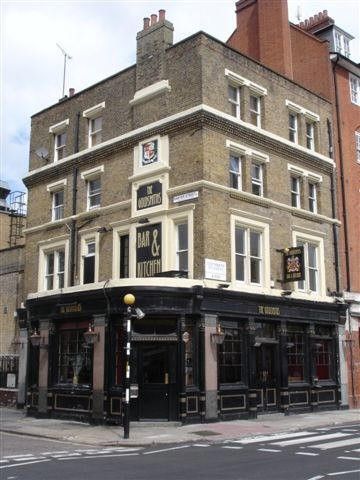 Southwark Bridge Road corner of Sawyer Street left, Goldsmith's Arms  - in May 2007.jpg