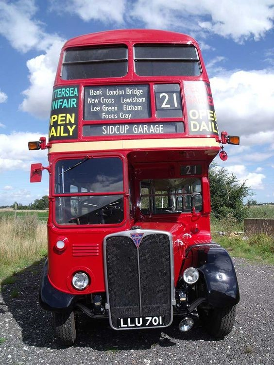 OLD KENT ROAD BUS 1950.jpg