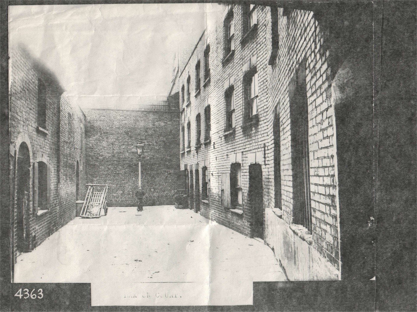 Laxon Court, Long Lane, Bermondsey c1900.jpg