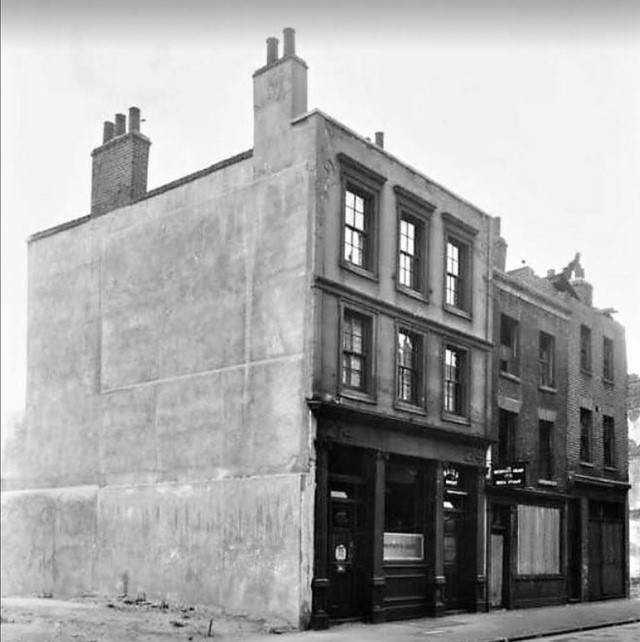 The Beckford Head  274 Tabard Street, 1953, now demolished.jpg
