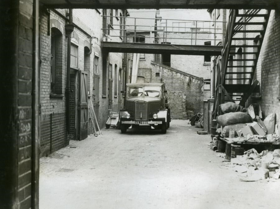Neckinger Depot, Bermondsey Borough Council 1961. 2.jpg