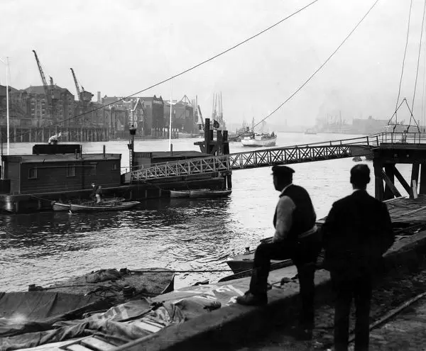 Cherry Garden Pier, Rotherhithe, London 1929 X.png