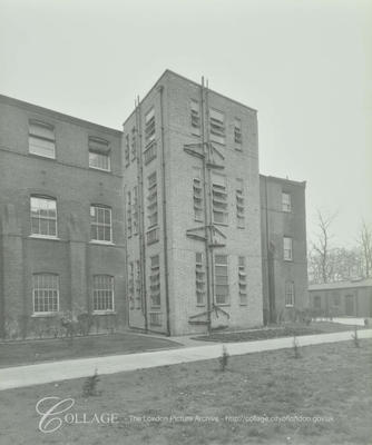 Lower Road,St Olave's Hospital, exterior of the extension 1935   X.png