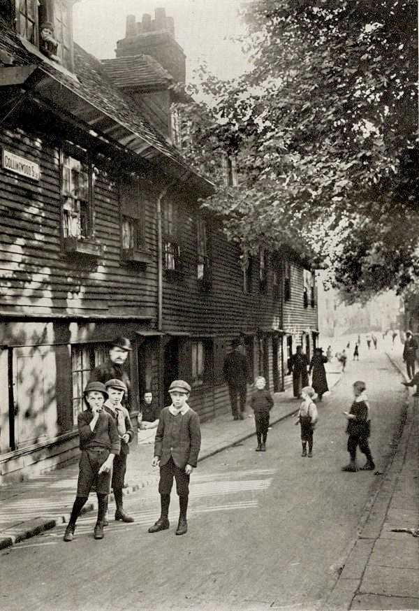 Colombo Street, was Collingwood St in c1900. A Street off Great Charlotte Street, now called The Cut..jpg