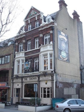 Blackfriars Road, 108 The Crown, 2007.jpg