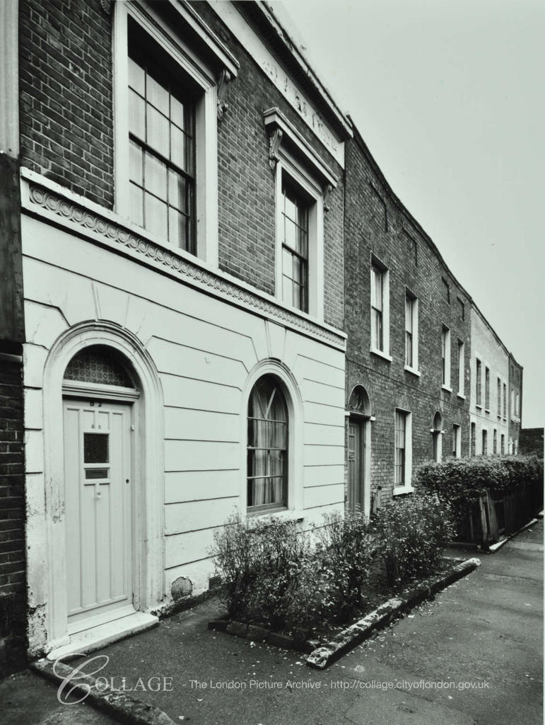 Dunton Road,72-82 Greyhound Place  c1970.  X.png