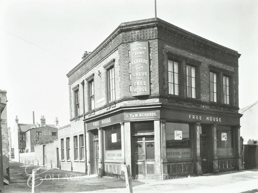 New Church Road, Boyton Arms No.143. Since demolished and now part of Burgess Park.   X.png