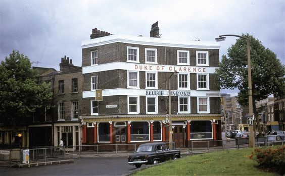 St Georges Circus, Duke of Clarence Pub, London Road, Borough Road, Southwark 1971.   X.jpg