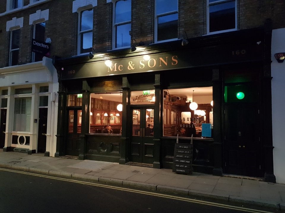 Union Street SE1, Mc & Sons Irish pub..jpg
