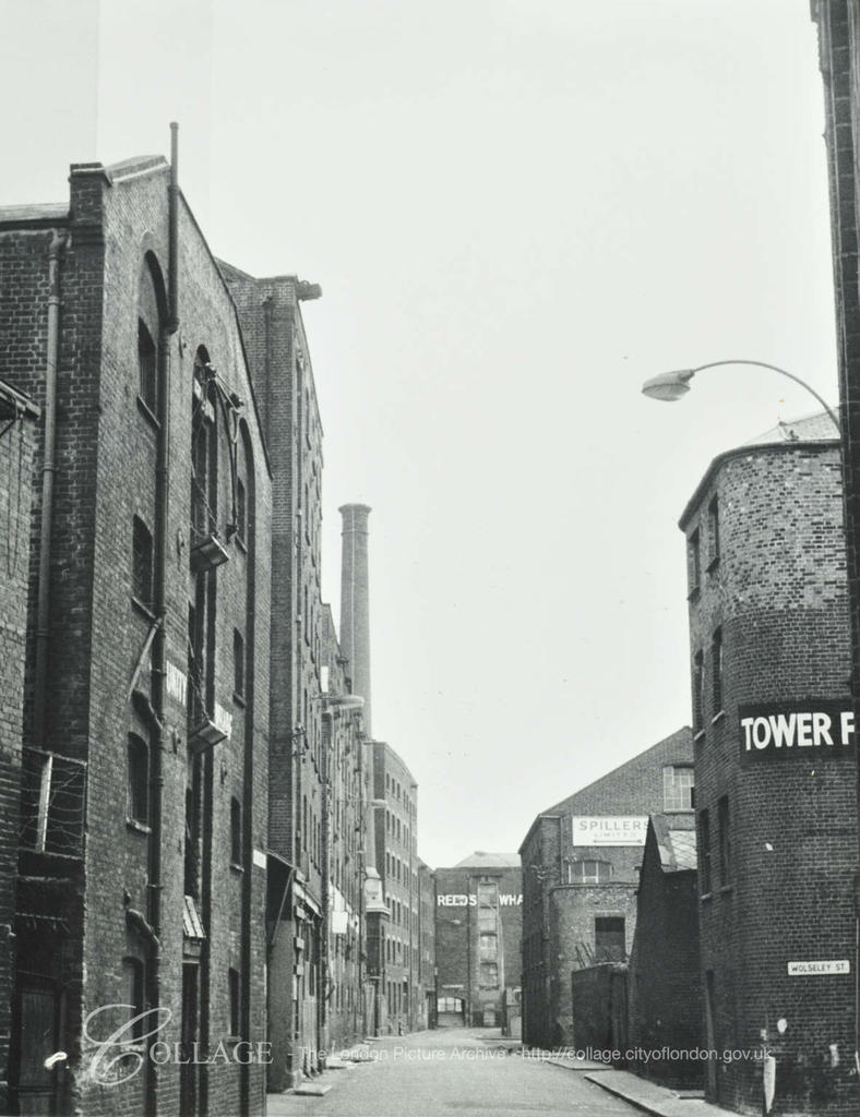Unity Wharf, Mill Street 1973,Reed's Wharf far end.  X.png