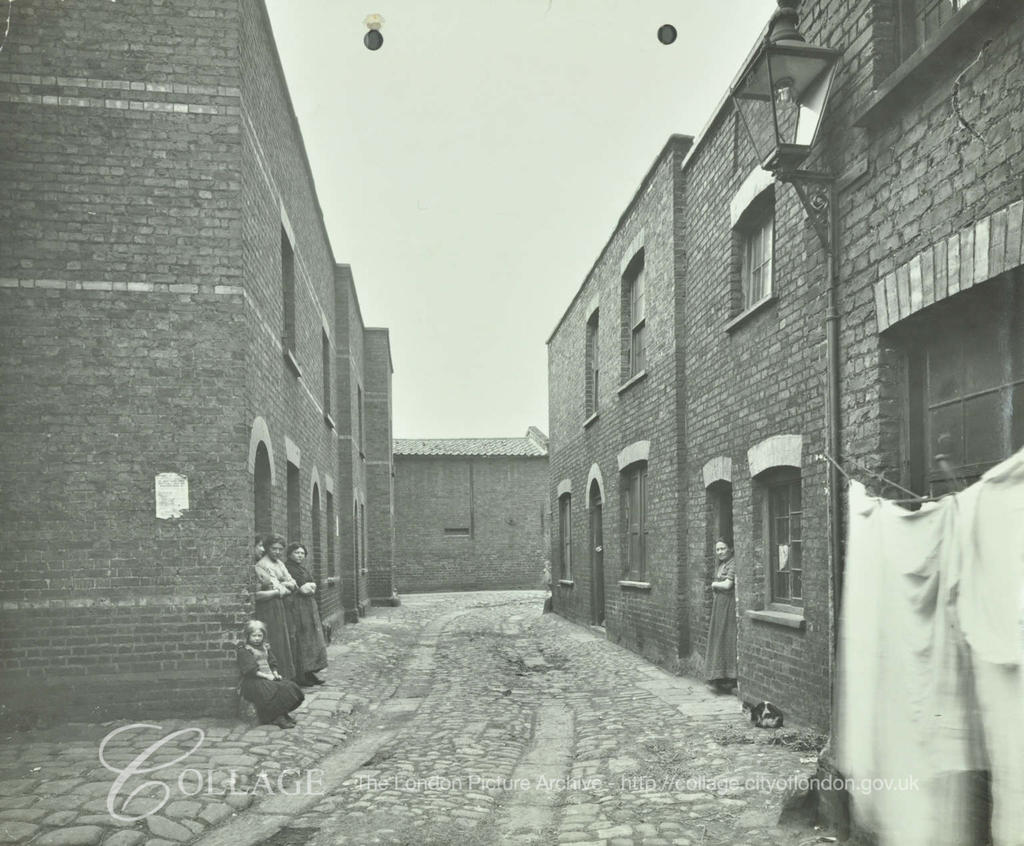 Southall Place, Tabard Estate, 1913, looking towards Long Lane.  X.png