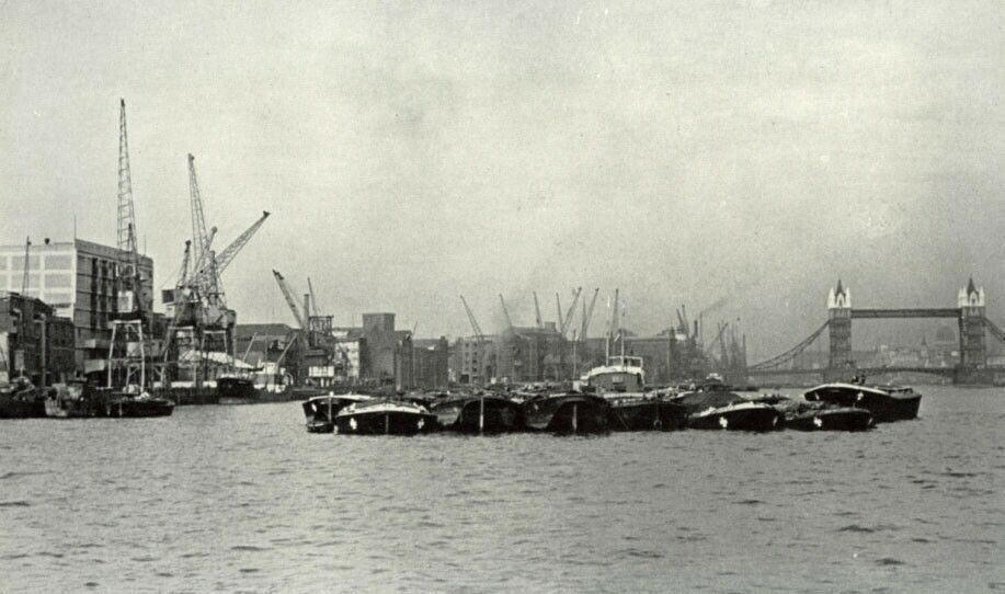 Tower Bridge & Thames from Cherry Garden Pier Rotherhithe 1949.  X.png