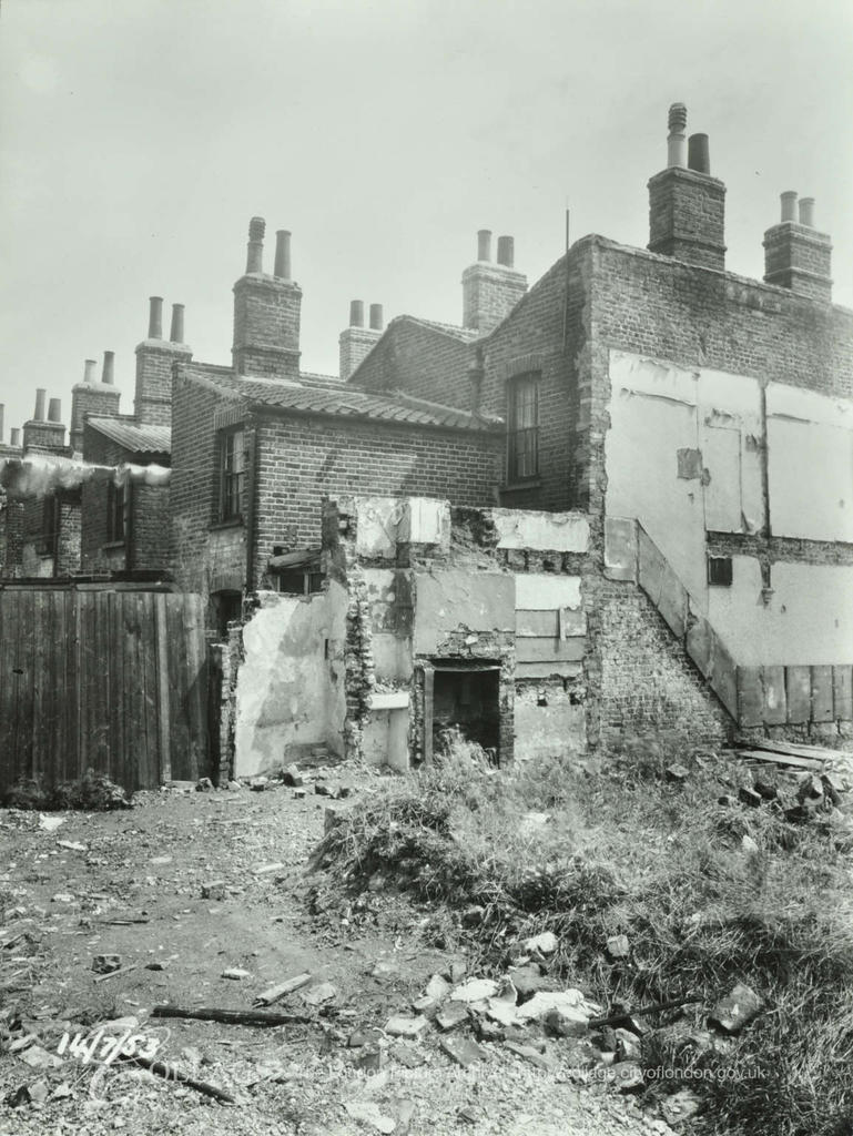 Llewellyn Street,No 89, Dickens Estate side and rear elevations 1953. X.png