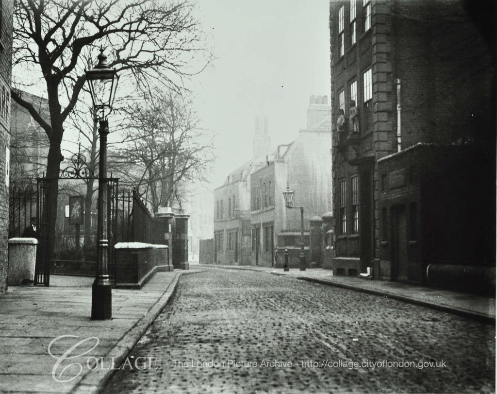 St Marychurch Street, looking east by St Mary's Churchyard c1920.  X.png