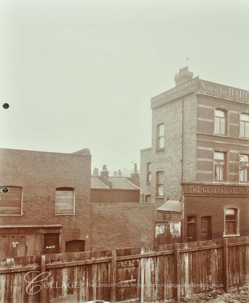 The General Abercrombie, 1 Upper Green Street, (no longer there) corner with Webber Street to the right.  X.png