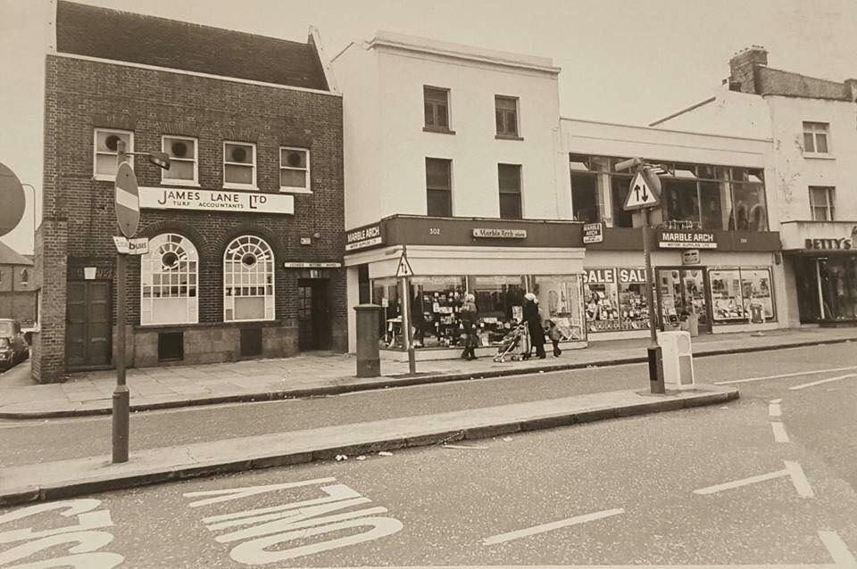 Camberwell Road in 1979.   X.png