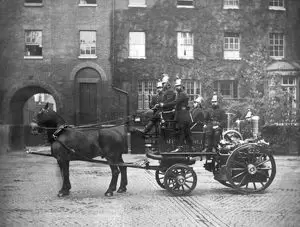 Southwark Bridge Road. A horse-drawn steamer and crew at Southwark fire station, during the latter years of the Metropolitan Fire Brigade (it was renamed the London Fire Brigade in 1904).  X.png