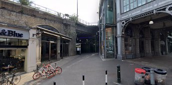 Borough Market,Rochester Walk 2019, looking from Stoney Street.  X.png
