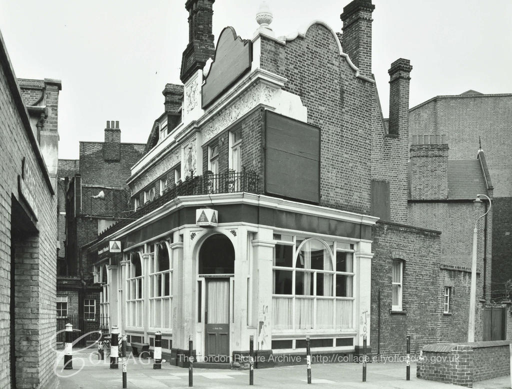 Horseshoe and Wheatsheaf Public House viewed from Melior Place. Now known as The Horseshoe Inn. c1974.  X.png