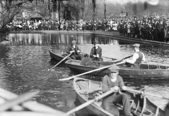 Southwark Park Boating Lake In 1920.   X.png