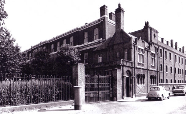 Westmoreland Road, this part is now Beaconsfield Road. Newington workhouse built in 1850.  X.png