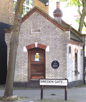 Sweden Gate and Rope Street (corner of) 2020 near Plough Way, the 1902 Grand Surrey Canal toll office.   X.png