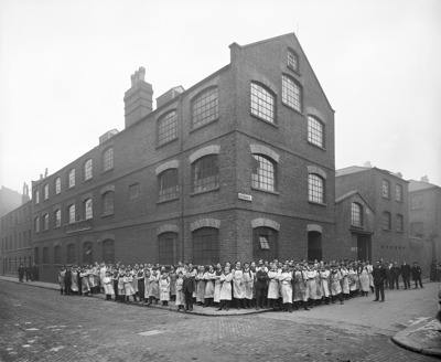Weston Street, Southwark, Mabie, Todd And Company, 1913.   X.png