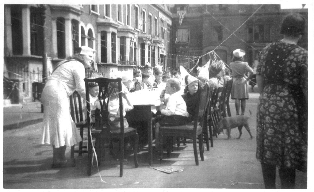 Gurney Street, VE Day street party.   X.png