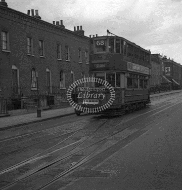 Lower Road, Surrey Docks, route 68, June 1951.   X.png