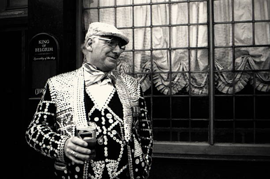 Tooley Street 1995. Pearly King in King of Belgium Pub.  X.png